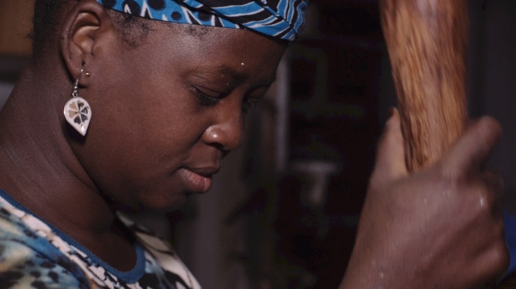 """Fotograma del documental """"D'immigrades a ciutadanes. Cinc dones del Maresme"""""""